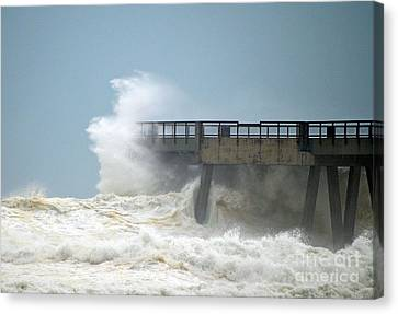 0828 Cat 1 Hurricane Isaac Crashes Into Navarre Beach Pier Canvas Print