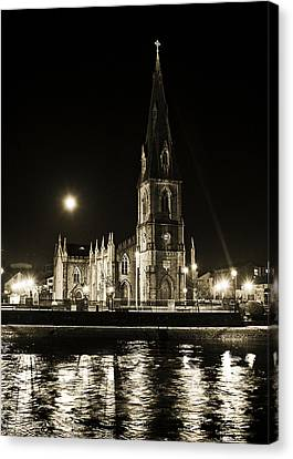 Cathedral At Nine Fifteen Canvas Print by Tony Reddington