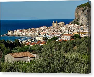 Cefalu Sicily Canvas Print by Alan Toepfer