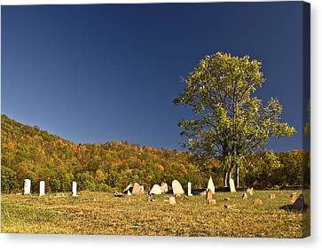 Cemetary North Of Monterey Tennessee Canvas Print by Douglas Barnett