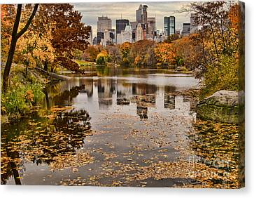 Central Park In The Fall New York City Canvas Print