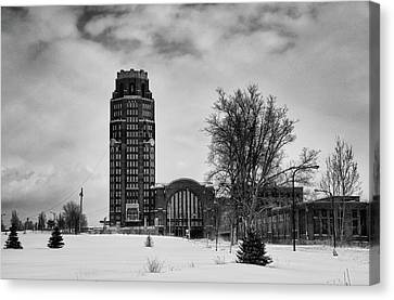 Central Terminal 4431 Canvas Print by Guy Whiteley
