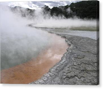 Champagne Pool Canvas Print by Christian Zesewitz