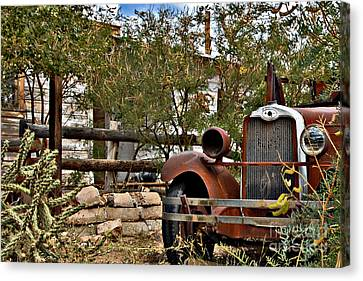 Canvas Print featuring the photograph Chariot Awaits by Lee Craig