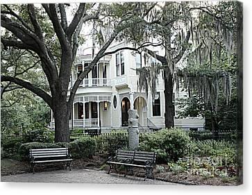 Charleston South Carolina Historical Victorian Mansion - Charleston South Carolina Southern Mansions Canvas Print