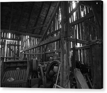 Canvas Print featuring the photograph Chassell Barn by Jenessa Rahn