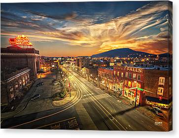 Chattanooga Choo Choo Canvas Print by Steven Llorca