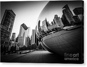 Chicago Bean Cloud Gate In Black And White Canvas Print by Paul Velgos