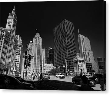 Chicago - E Wacker Drive Canvas Print by Lance Vaughn