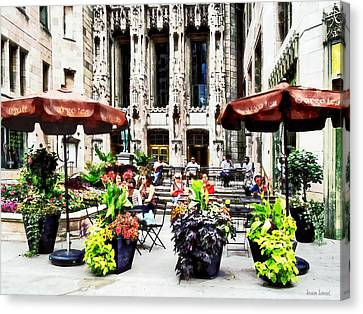Chicago - Enjoying Lunch On The Magnificent Mile Canvas Print by Susan Savad