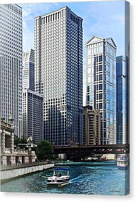 Chicago Il - Chicago River Near Wabash Ave. Bridge Canvas Print by Susan Savad