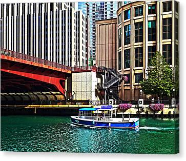 Chicago Il - Water Taxi By Columbus Drive Bridge Canvas Print