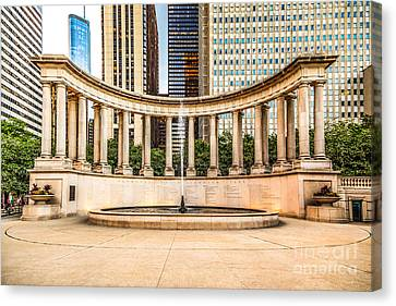 Chicago Millennium Monument In Wrigley Square Canvas Print by Paul Velgos