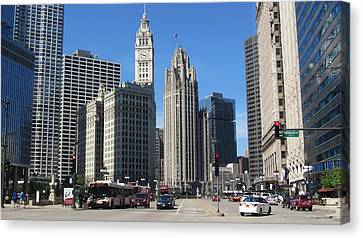 Chicago Miracle Mile 1 Canvas Print by Anita Burgermeister