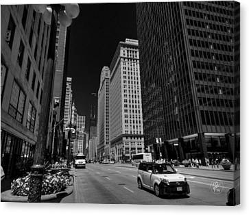 Chicago - N Michigan Ave 001 Canvas Print by Lance Vaughn