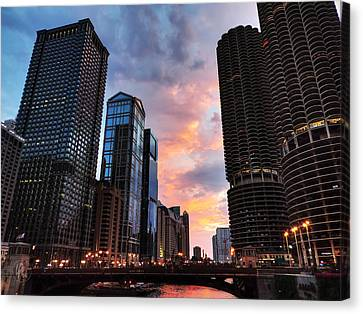 Chicago River Sunset 002 Canvas Print by Lance Vaughn