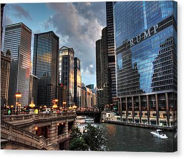 Chicago River - The Mag Mile 004 Canvas Print by Lance Vaughn