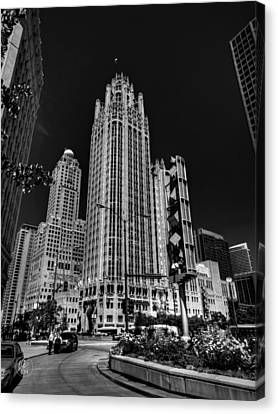 Chicago - Tribune Tower 001 Canvas Print by Lance Vaughn