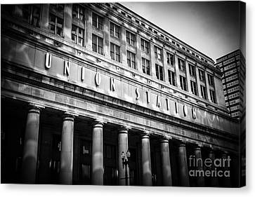 Chicago Union Station In Black And White Canvas Print by Paul Velgos