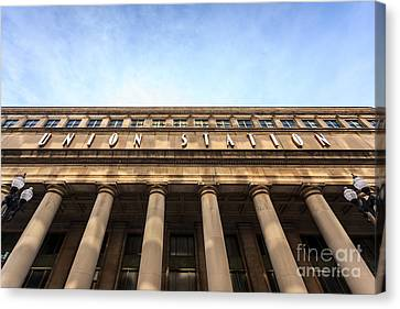 Chicago Union Station Sign And Building Columns Canvas Print by Paul Velgos