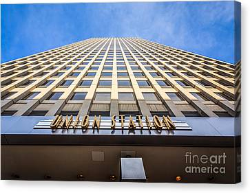 Chicago Union Station Sign And Building Exterior Canvas Print by Paul Velgos