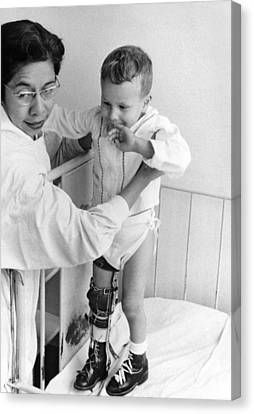 Child In Polio Ward Canvas Print by Underwood Archives