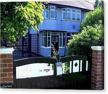 Childhood Home Of John Lennon Liverpool Uk Canvas Print