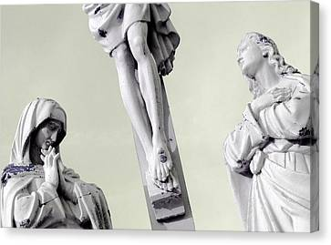 Christ On The Cross With Mourners Evansville Indiana 2006 Canvas Print by John Hanou