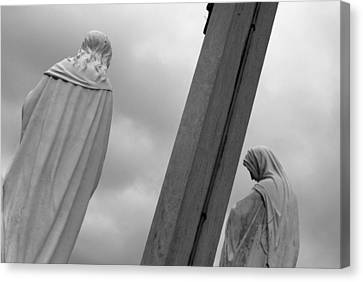 Christ On The Cross With Mourners Evansville Indiana 2008 Canvas Print by John Hanou