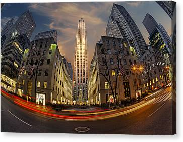 Christmas At Rockefeller Center Canvas Print by Susan Candelario