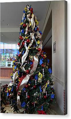 Plantation Canvas Print - Christmas Display - Mt Vernon - 01134 by DC Photographer