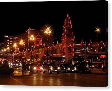 Christmas On The Plaza Canvas Print by Ellen Tully