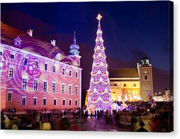 Christmas Tree In Warsaw Old Town Canvas Print by Artur Bogacki