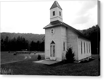 Church In The Country Bw Canvas Print by Dale Bradley