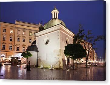 Church Of Saint Wojciech In Krakow At Night Canvas Print by Artur Bogacki