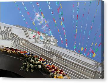 Church Temalacatzingo Mexico Canvas Print by Linda Queally