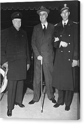 Franklin Roosevelt Canvas Print - Churchill And Roosevelt by Underwood Archives
