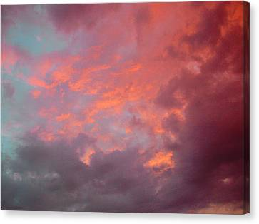 Cielo Arrabbiat Canvas Print by Dorothy Berry-Lound