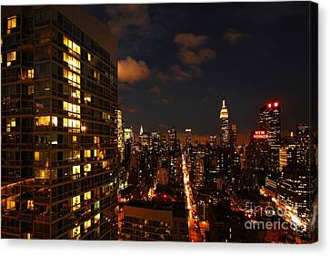 City Living Canvas Print by Andrew Paranavitana