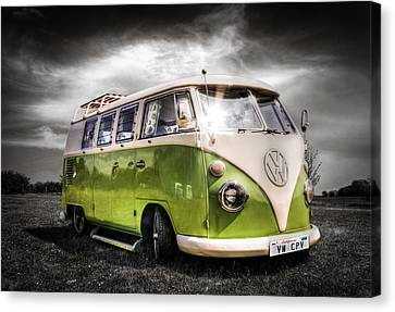 Classic Green Vw Campavan Canvas Print by Ian Hufton
