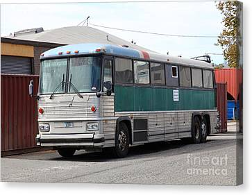 Classic Retro Greyhound Bus 5d25251 Canvas Print by Wingsdomain Art and Photography