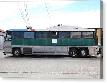 Classic Retro Greyhound Bus 5d25256 Canvas Print by Wingsdomain Art and Photography