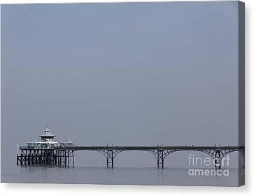 Clevedon Pier In Somerset England Canvas Print by Robert Preston