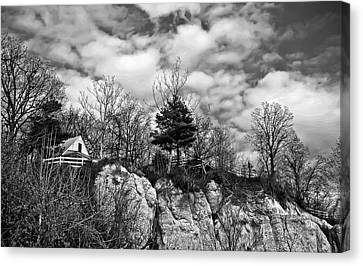 Canvas Print featuring the photograph Cliff House B/w by Greg Jackson