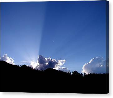 Canvas Print featuring the photograph Cloud Rays by Craig T Burgwardt