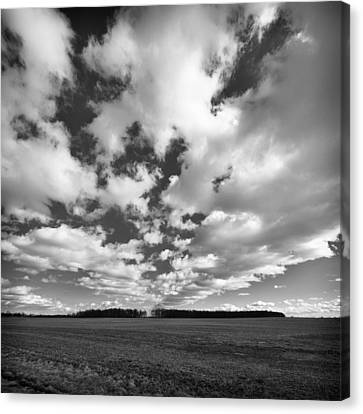 Clouds In The Heartland Canvas Print by Dick Wood
