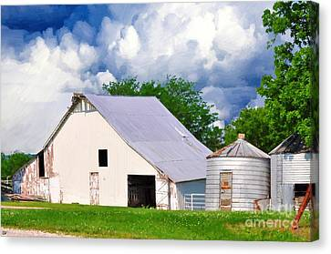 Cloudy Day In The Country Canvas Print by Liane Wright