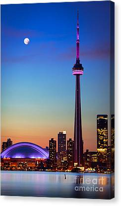 Cn Tower At Dusk Canvas Print by Inge Johnsson