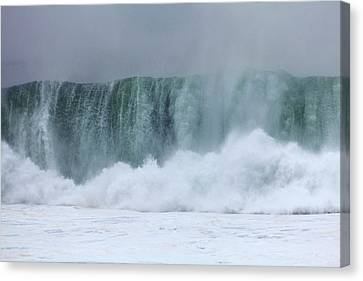 Coastal Wave During Typhoon Usagi Canvas Print by Jim Edds