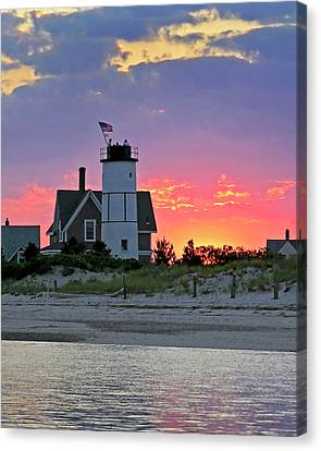 Cocktail Hour At Sandy Neck Lighthouse Canvas Print by Charles Harden